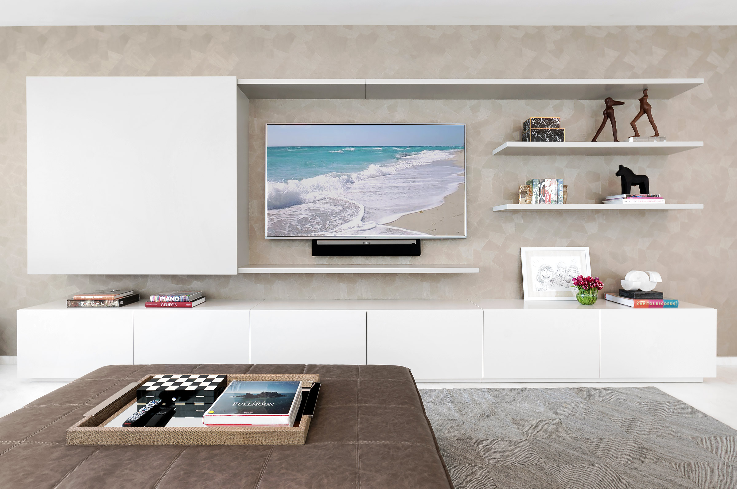 Bal-Harbour-Miami-Modern-Design-Wall-Unit