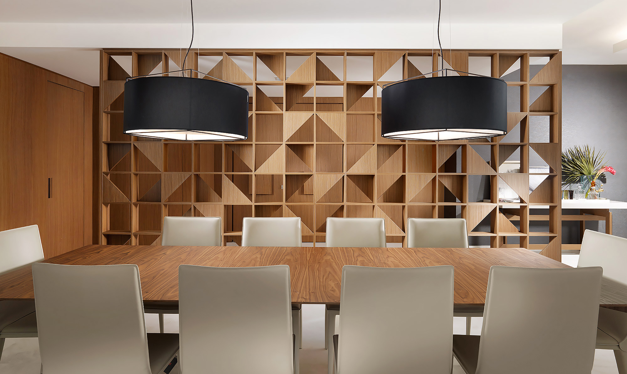 Bal-Harbour-Miami-Modern-Design-Wood-Partition-Dining
