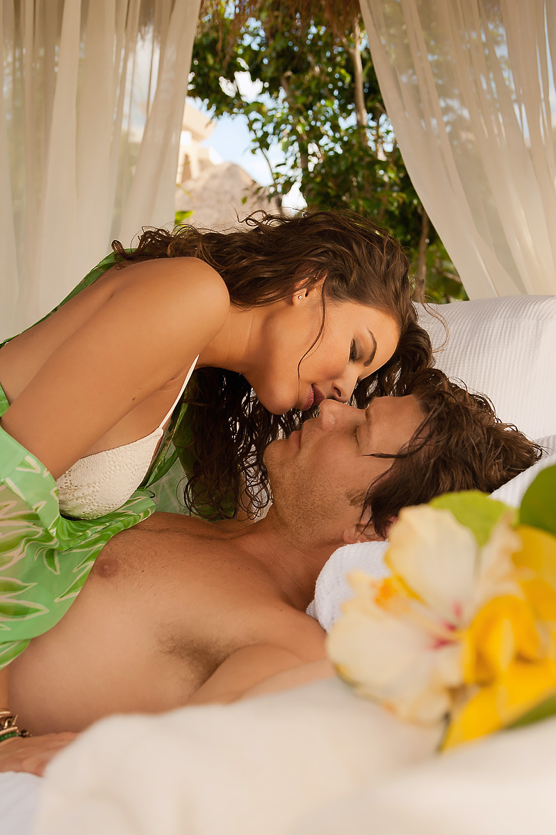 Cancun-Paradisus-Resort-Romance-Lifestyle-Couple