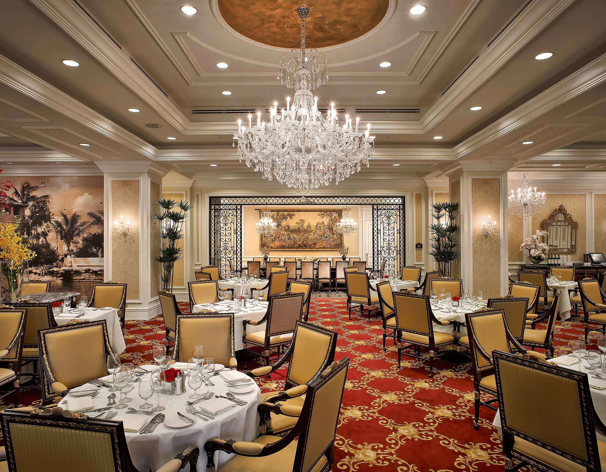 Coral-Gables-Restaurant-Interior-Decor-Photography