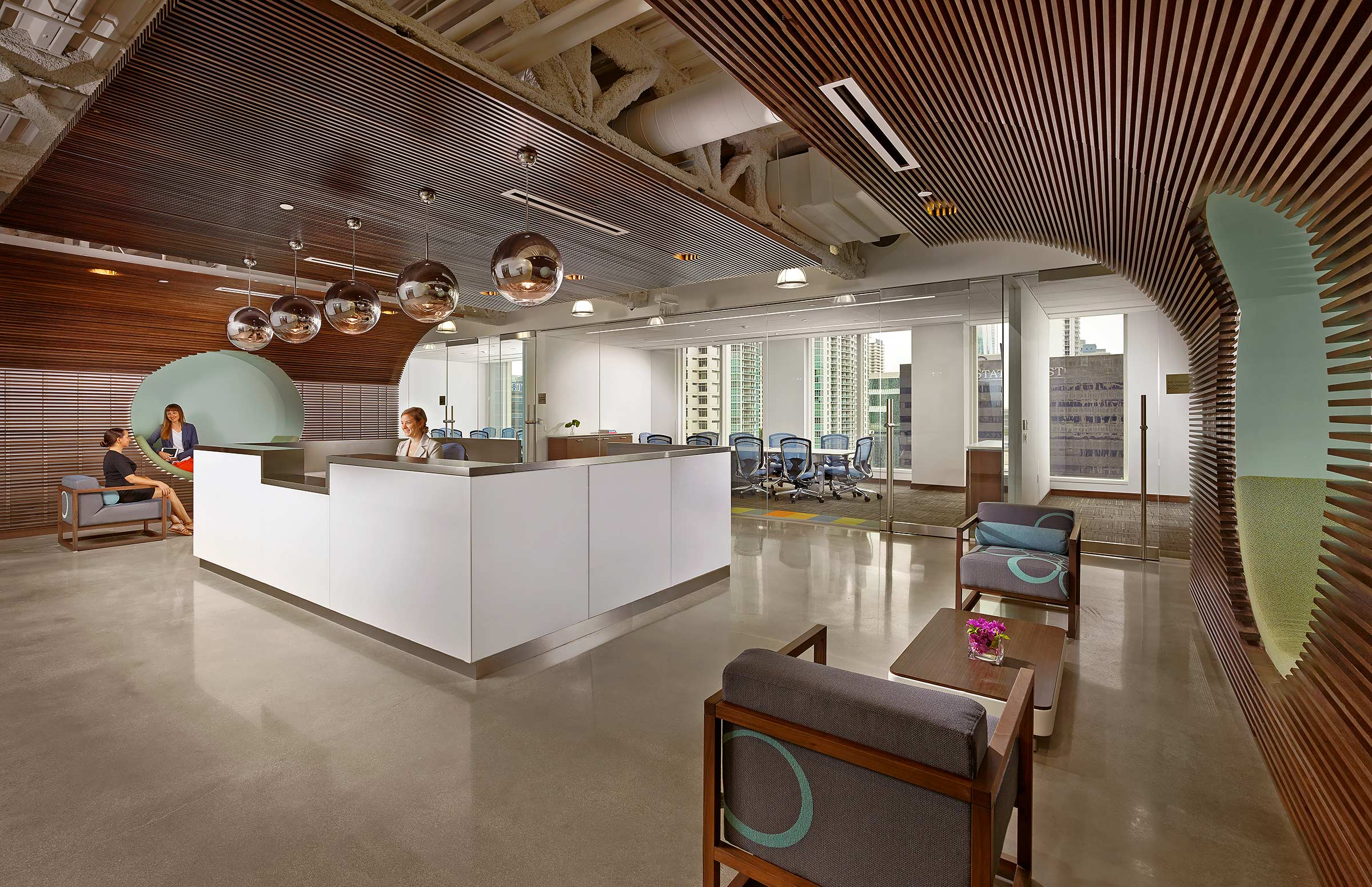 EZ-Corp-Downtown-Miami-Office-Reception
