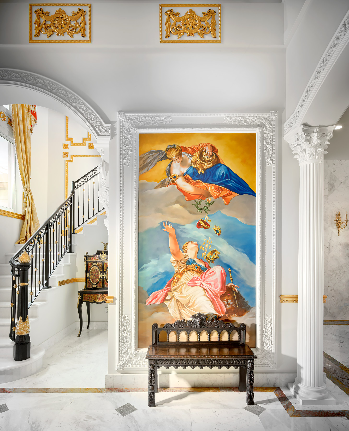 Hand-Painted-Mural-Gold-Leaf-Foyer-Interior