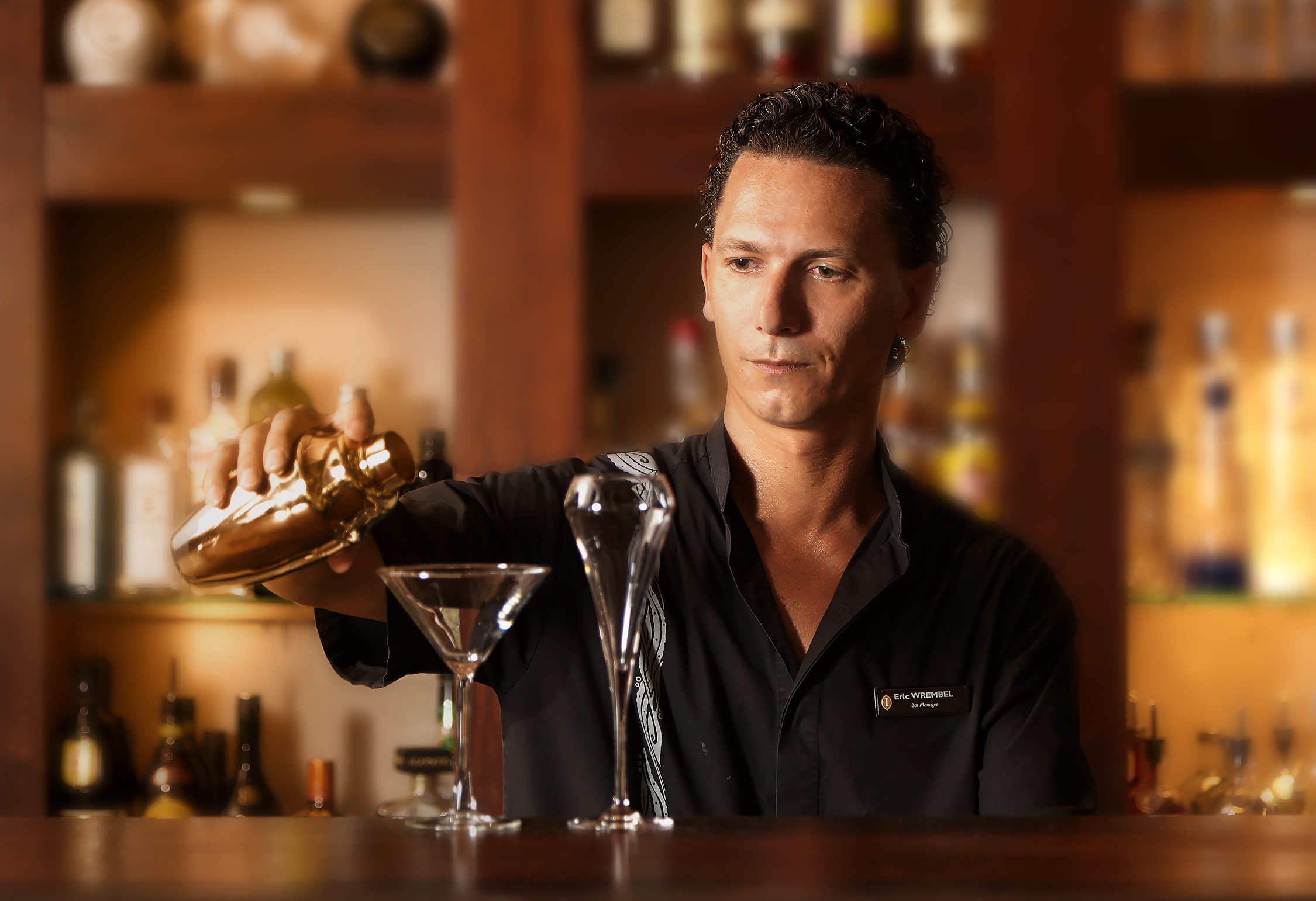 InterContinental-Resort-Bora-Bora-Thalasso-Bartender