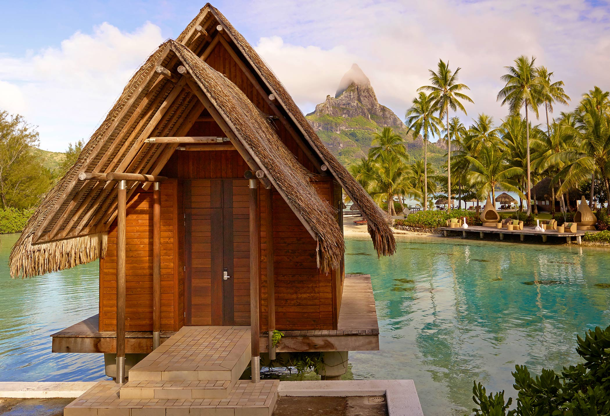 InterContinental-Resort-Bora-Bora-Thalasso-Chapel-Mount-Otemanu