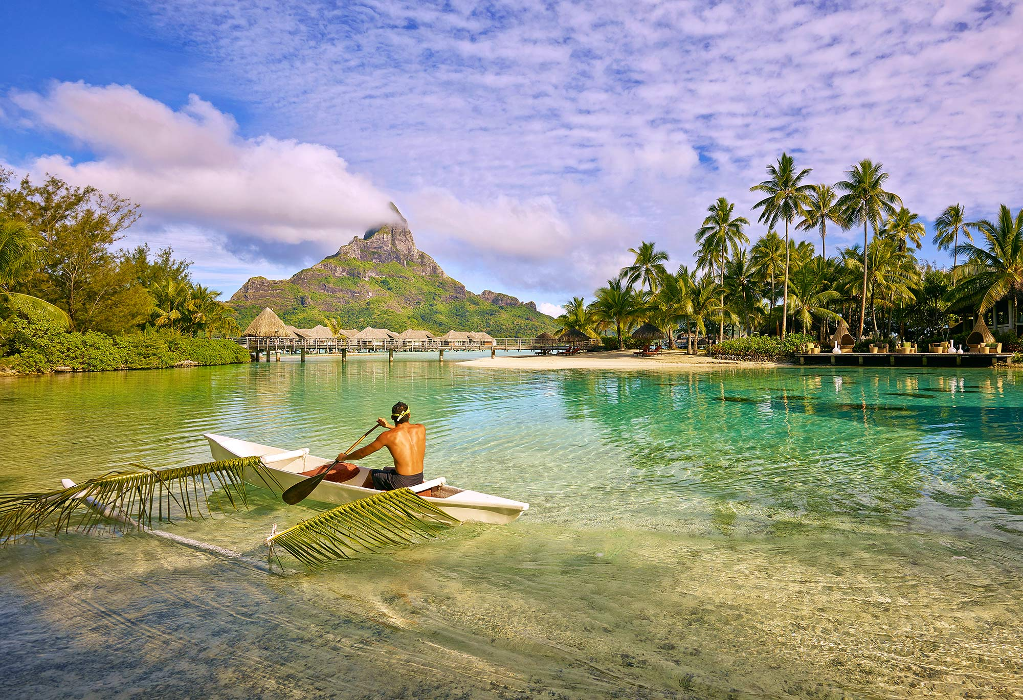 Interncontinental-Thalasso-Lagoon-Outrigger-Mount-Otemanu