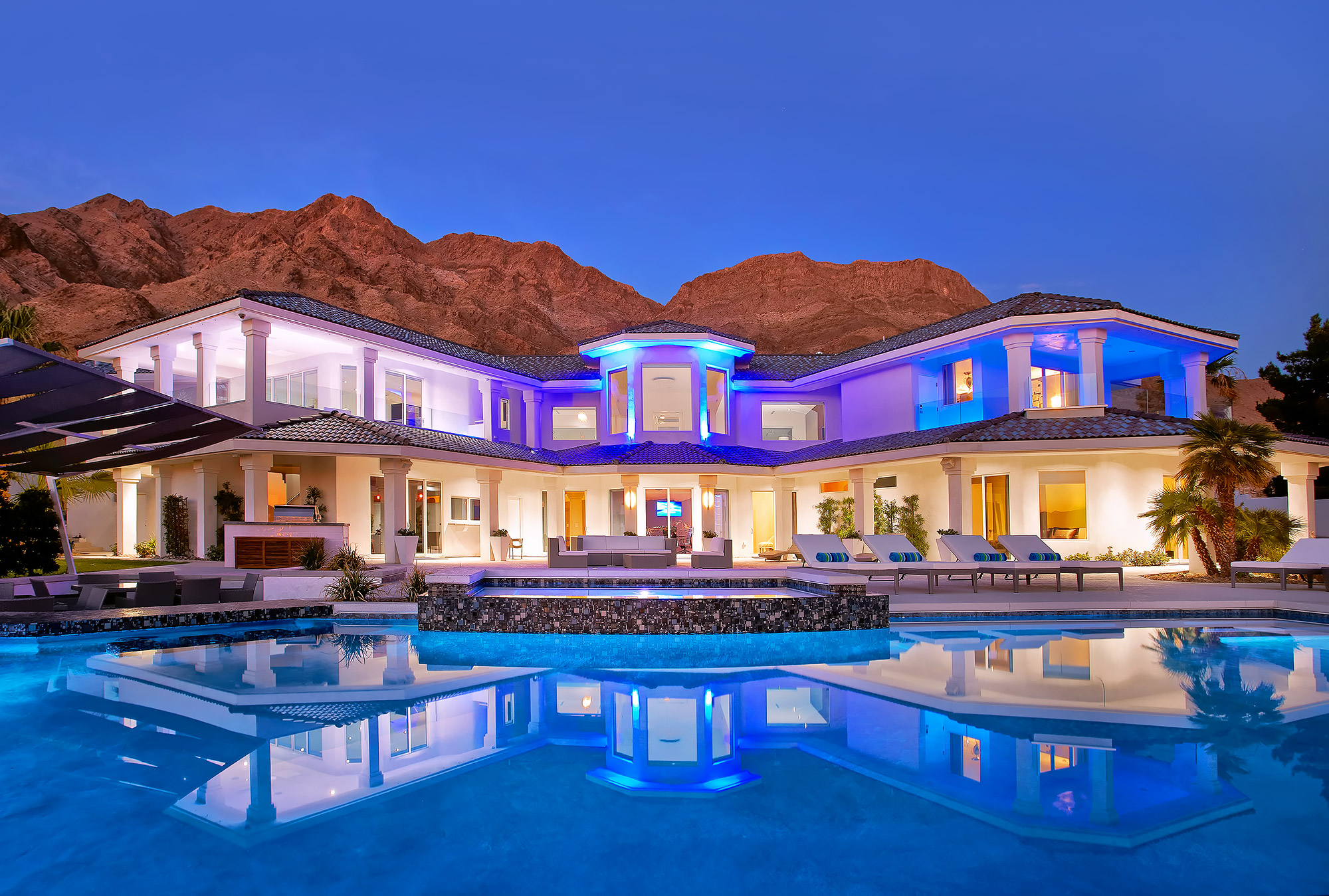 Luxury-Real-Estate-Photography-Exterior-Vegas-Desert-Pool