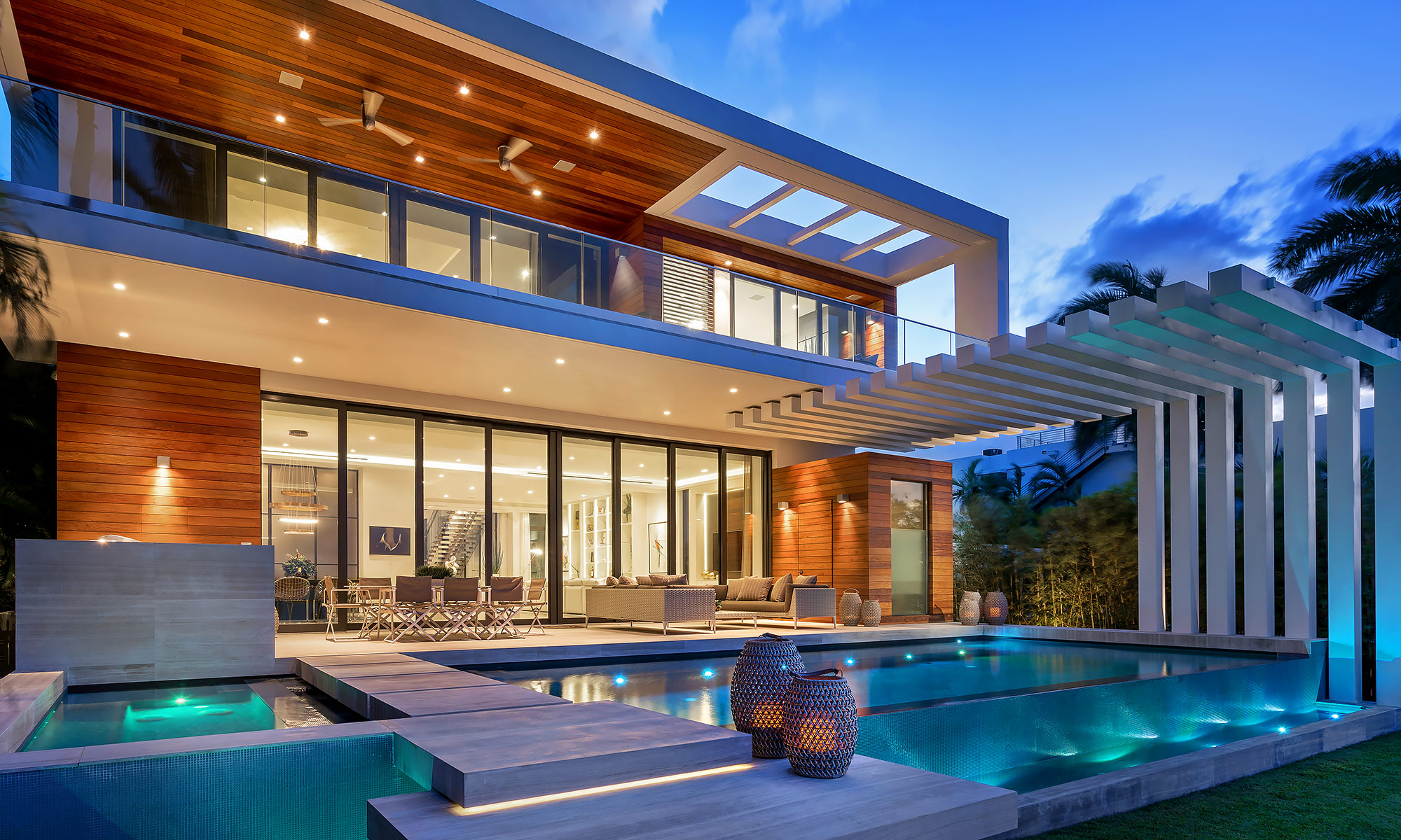 Luxury-Real-Estate-Photography-Modern-Pool
