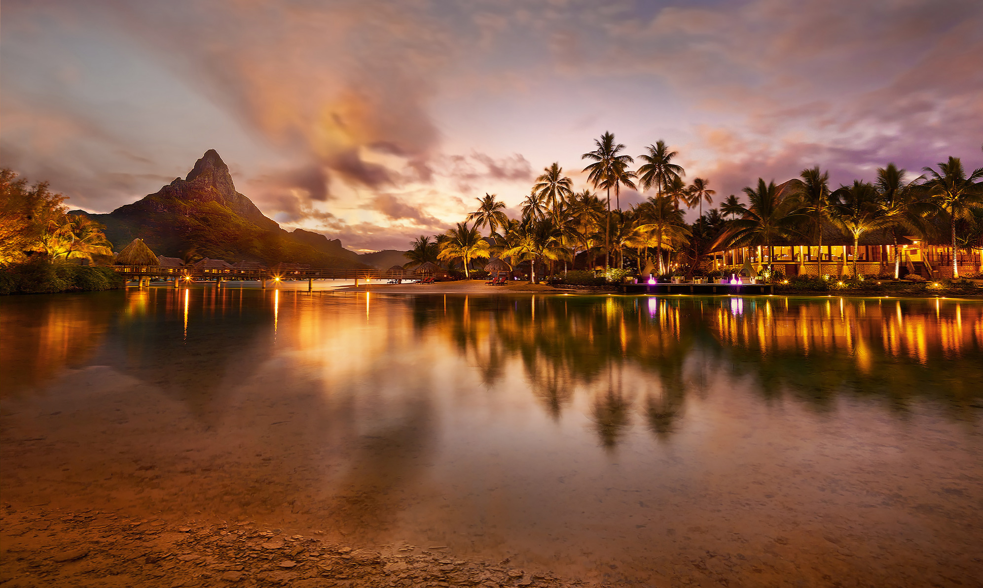 Luxury-Resort-Photographer-Bora-Bora-Mountain-Sunset-Lagoon
