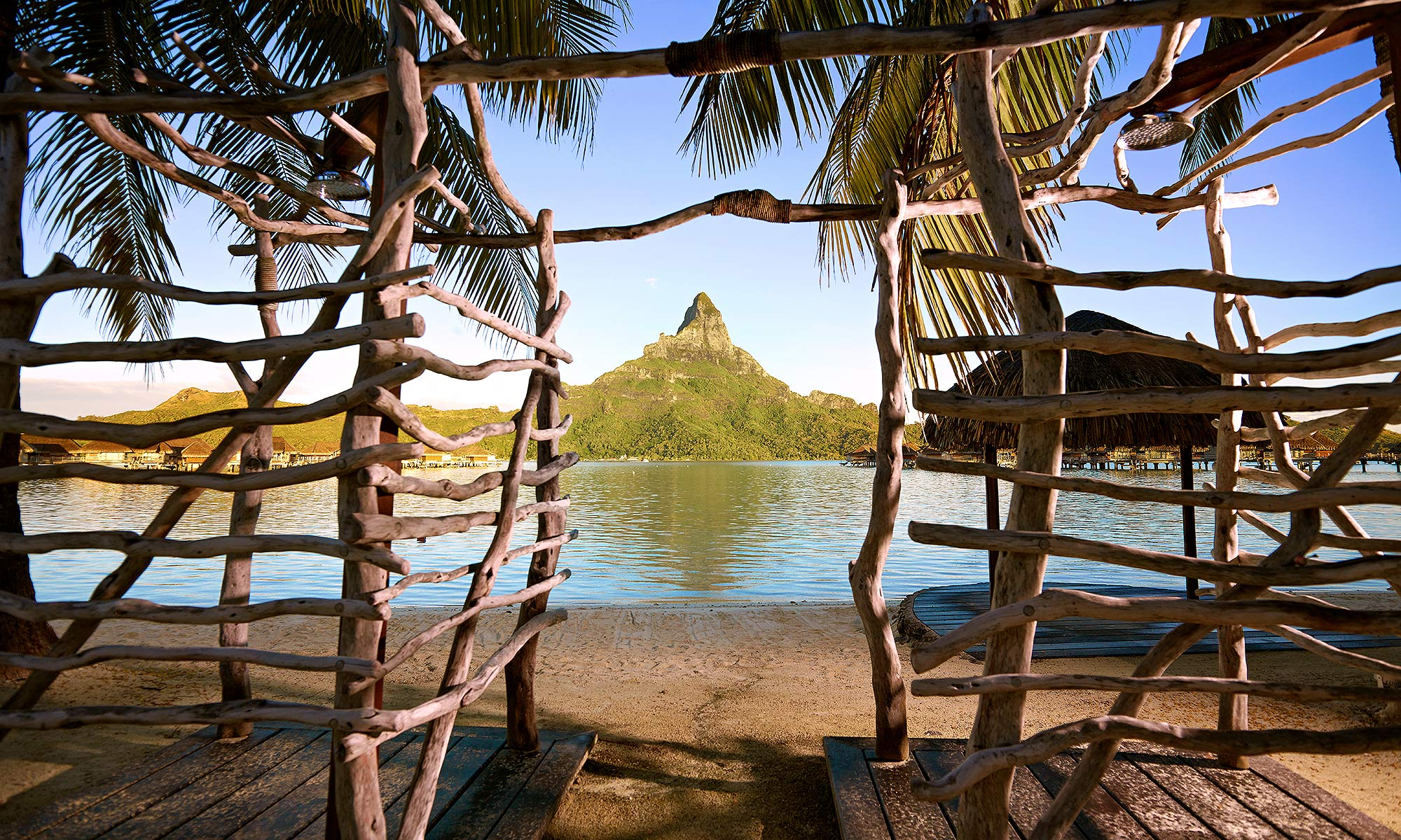 Luxury-Resort-Photography-Bora-Bora-Mountain