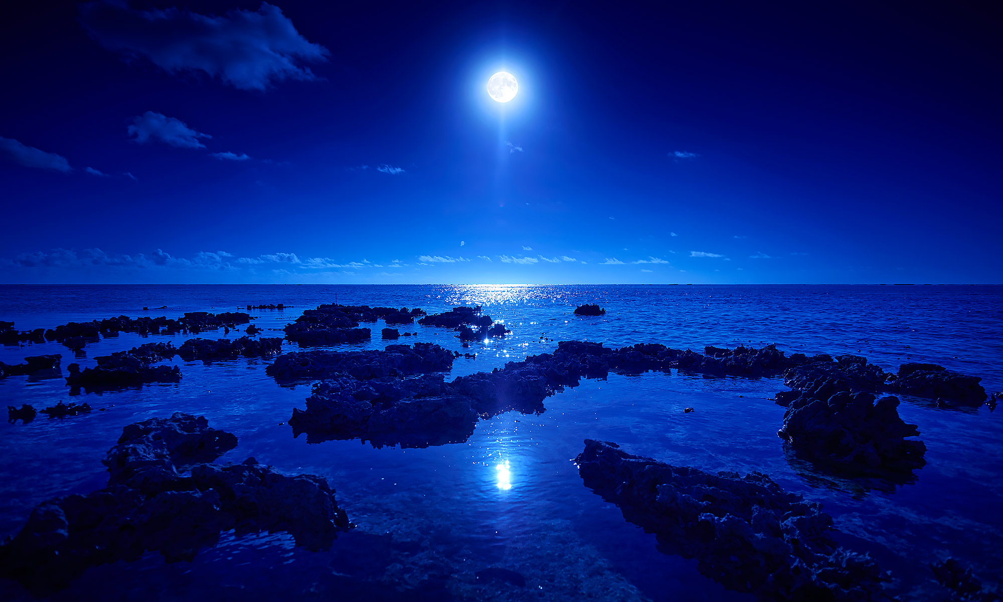 Luxury-Resort-Photography-Moon-Ocean