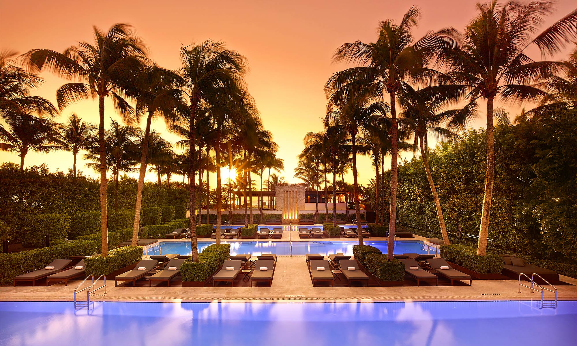 Luxury-Resort-Photography-Setai-Miami-Beach-Pool-Sunrise