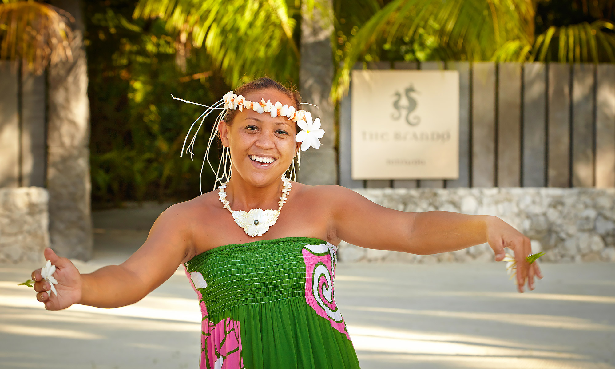 Luxury-Resort-Photography-Tahiti-Tahitian-Dancer-Brando-Resort