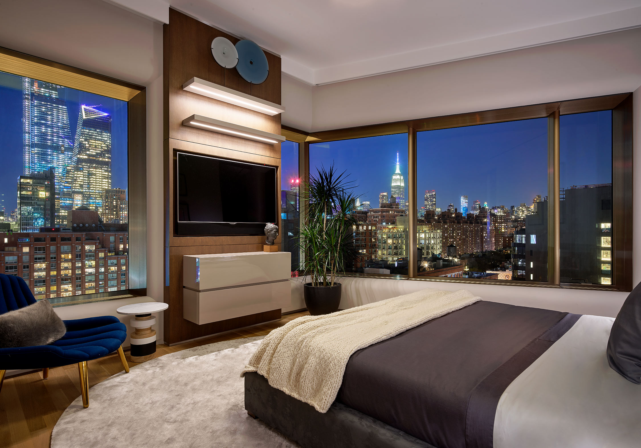 New-York-City-Contemporary-Interior-Pepe-Calderin-Design-Twilight-View