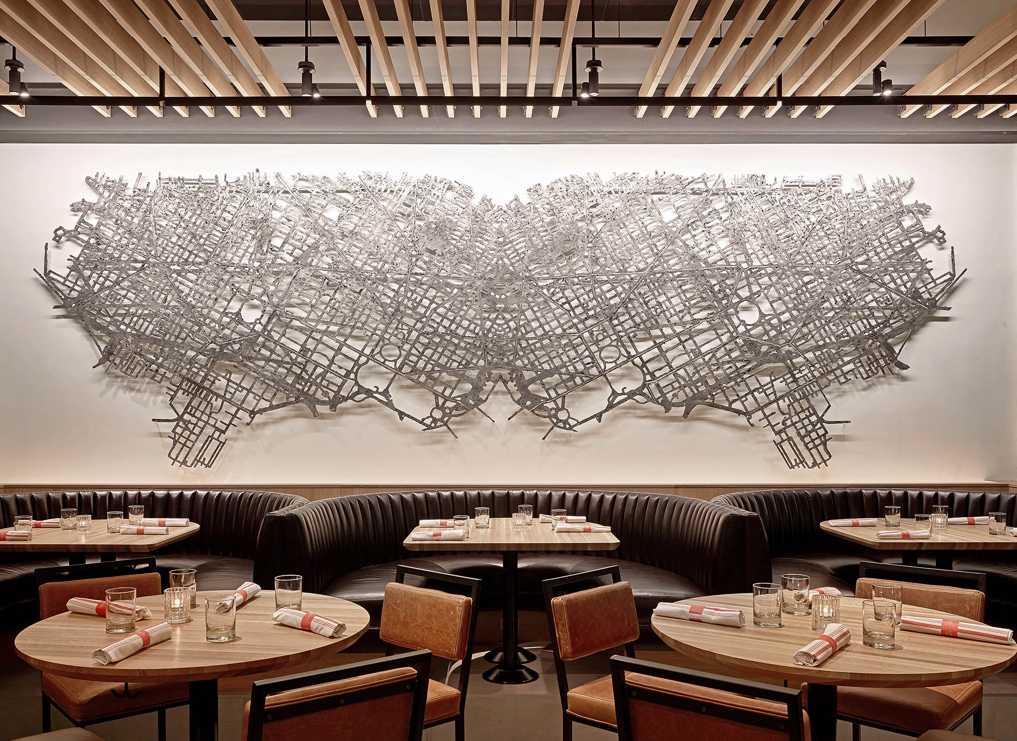 Restaurant-Interior-Metal-Art-Sculpture