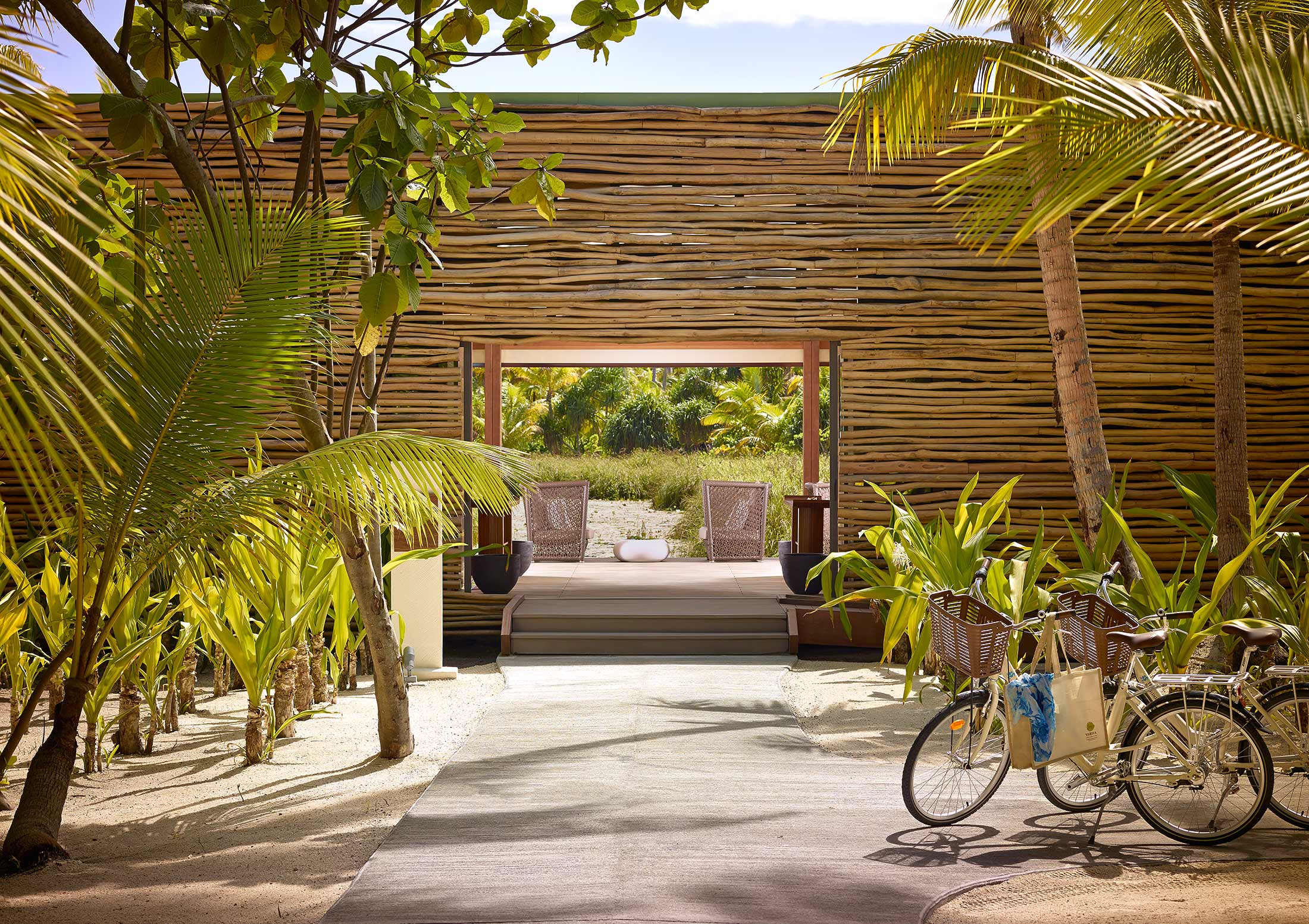 The-Brando-Resort-Tetiaroa-Spa-Entrance